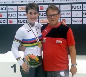 Pauline Grabosch und Bundestrainer Jörg Winkler. (Foto: privat)